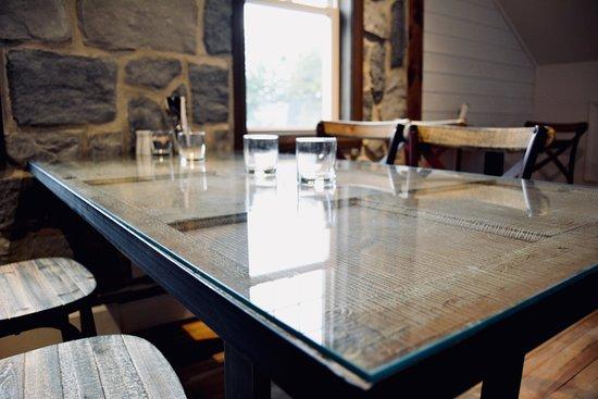 Cafe Ohana: Table étage