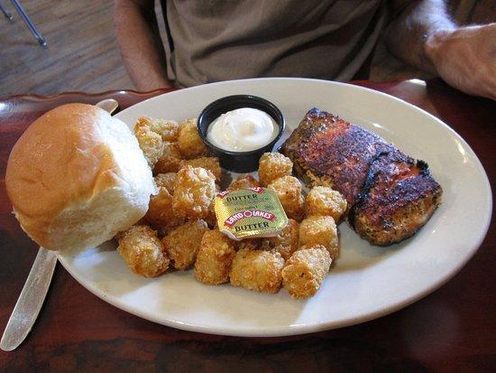 Belfield, Dakota del Norte: Salmon Dinner