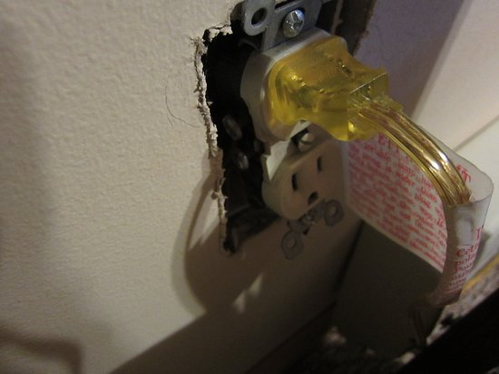 Albrightsville, PA: Uncovered electric outlet in the bedroom upstairs. Keep children away.