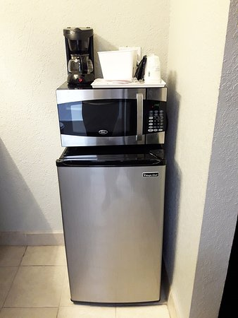Whittier, Califórnia: frigidaire, four micro onde ,cafetiere dans la chambre