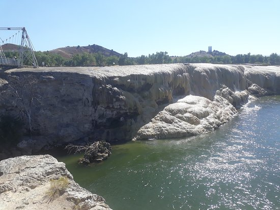 Hot Springs State Park: The hot spring terraces and bighorn river