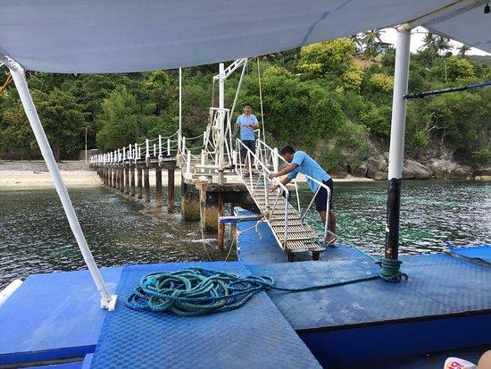 Bluewater Sumilon Island Resort: 「スミロン ブルーウォーター アイランド リゾート」乗船