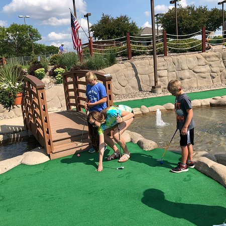 The Links At Dred Scott Miniature Golf