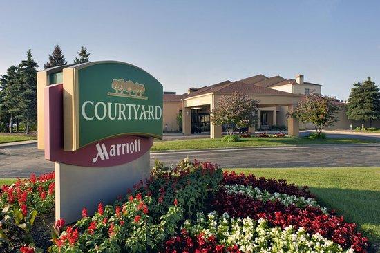 Courtyard by Marriott Chicago Waukegan/Gurnee