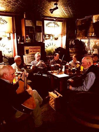 Swinford, ไอร์แลนด์: Regular Trad Night