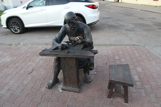 Yuriy Dolgorukiy Monument: Не Долгорукий, но рядом