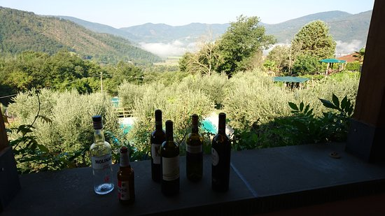 Лишиано-Никконе, Италия: Fra balkonen. Morgenskyer i dalen.