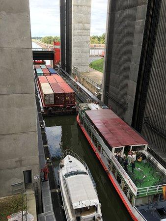 Basse-Saxe, Allemagne: Schiffe im Hebewerk