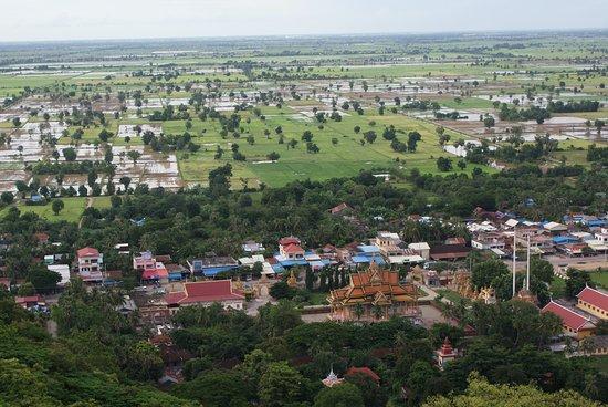 Battambang Province, كامبوديا: Vistas desde lo alto de una colina  en Battambang