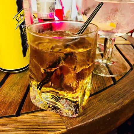 JJ's Bar: Dranbuie last drink
