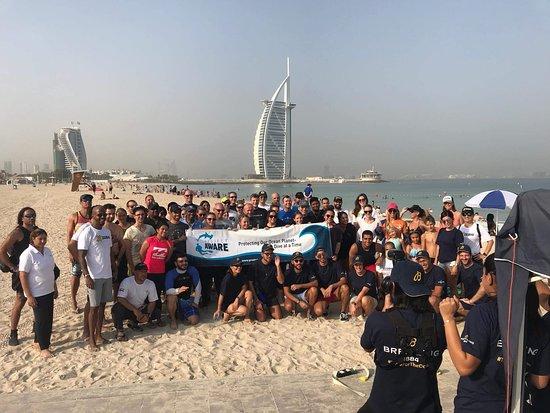 Ghantoot, United Arab Emirates: AWARE Week - Dive Against Debris