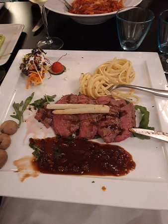 Kontich, بلجيكا: Superlekker steak / Tagliata di manzo