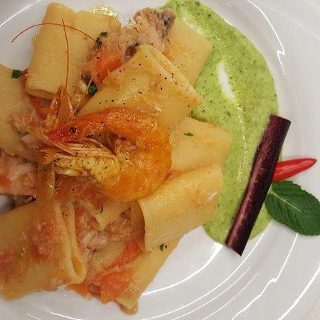 Fossa, Ιταλία: Giusto se rendere l'idea del Posto meraviglioso e dell'eccellente cucina...
