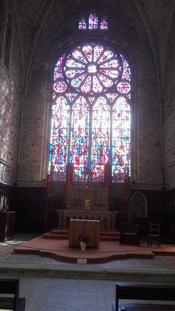 Lehon, France: intérieur de l'église