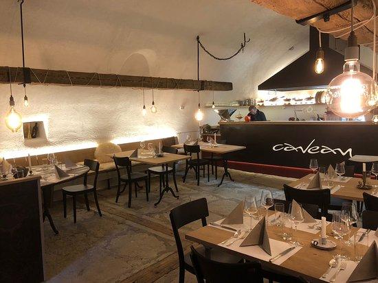 Ligerz, Suisse: Das Caveau bietet für 30 Personen Platz