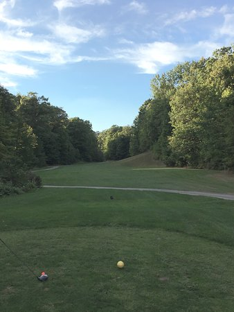 Burlington, Kanada: Hole 17 - see that narrow opening way down there.