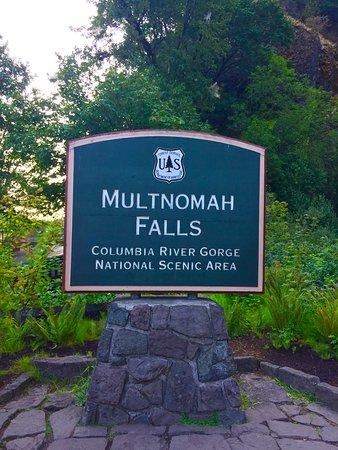 Multnomah Falls: Falls sign