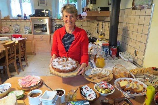 Bianzone, Italy: Colazione TIROLESE, dolce ,salata ,con uova e prodotti tipici valtellinesi
