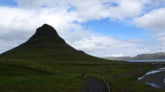 Kirkjufell Mountain Picture