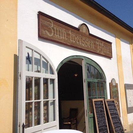 Schlosshof照片