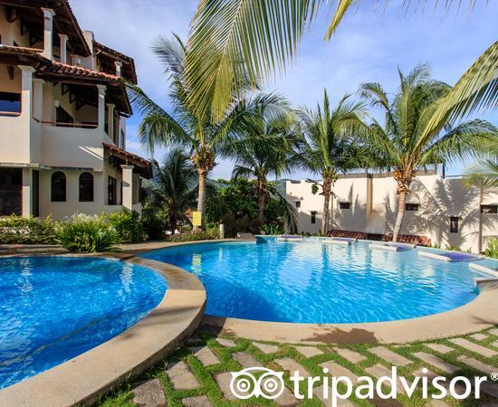 Tropical Gardens Suites & Apartments, hoteles en Playas del Coco