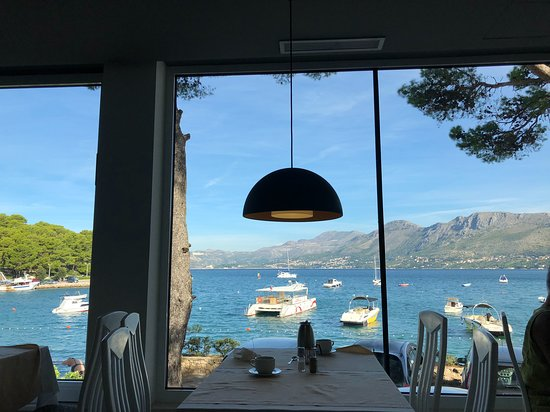 Hotel Cavtat: Breakfast view
