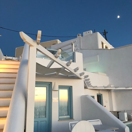 Above Blue Suites: photo8.jpg