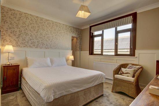 Wheddon Cross, UK: Shelley - Kingsize Room with Ensuite Bath/Shower Room
