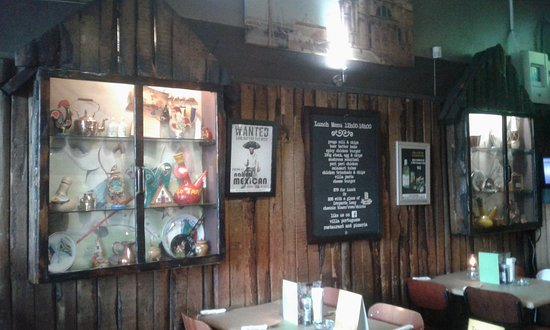 Vredehoek, Sør-Afrika: Portuguese inspired decor - they were the first Europeans to round the Cape!