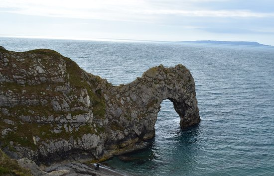 Broadmayne, UK: Durdle Door Approx. 20 minutes drive from the Black Dog