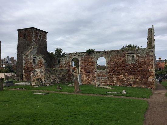 ‪North Berwick, Kirk Ports, Old Parish Church and Churchyard‬