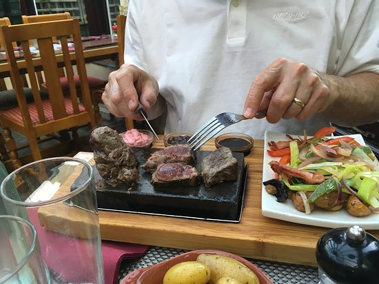 Flyford Flavell, UK: Steak on a Stone (venison) - outstanding meal!