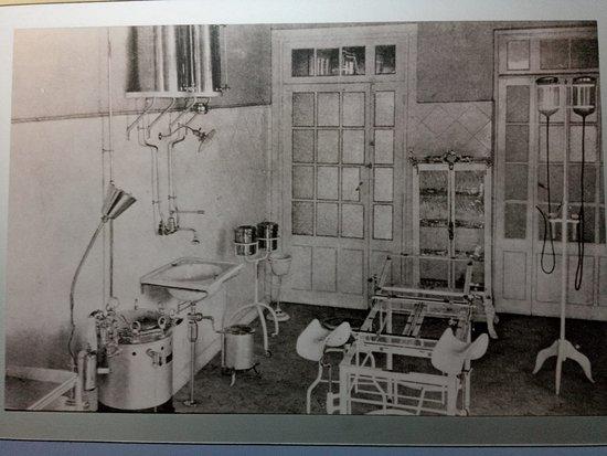 Barruelo de Santullan, Espagne: Fotografía del quirófano existente para asistencia sanitaria a la población de la minería