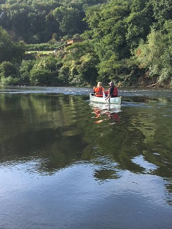 Hereford Canoe Hire: Beautiful scenery on the River Wye
