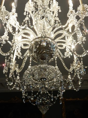 Stourhead House and Garden: Stunning chandelier