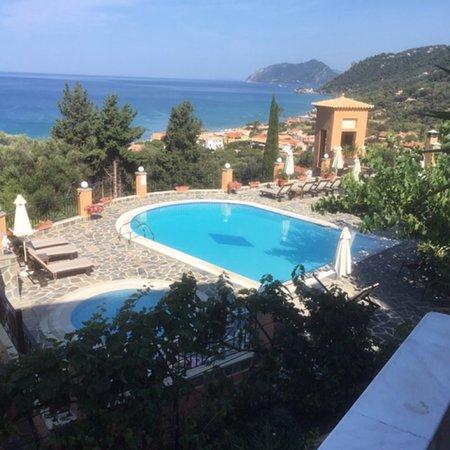 Dina's Paradise Hotel & Apartments: photo1.jpg