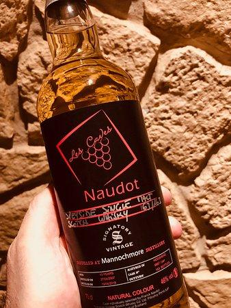 """Saint-Bonnet-de-Rochefort, Frankreich: Whisky spéciale """"Caves Naudot"""" à Gannat"""