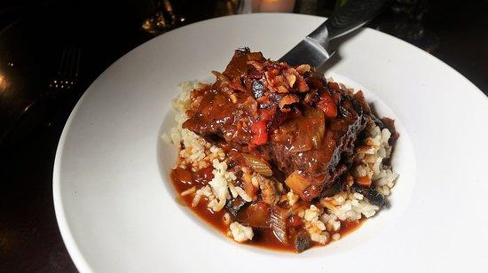Zinna's Bistro: BACON MARMALADE SHORT RIB (pomodoro, demi-glace, smoked bacon jam, mirepoix, wild mushroom risot