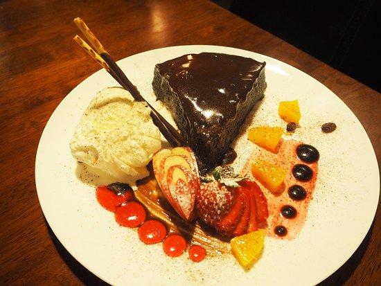 Eat Thai Restaurant: Chocolate Cake dessert made by Ben