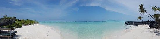 Dhangethi Island: Bikini Beach
