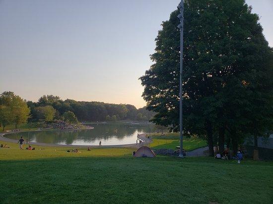 Mount Royal Park: 20180916_181201_large.jpg