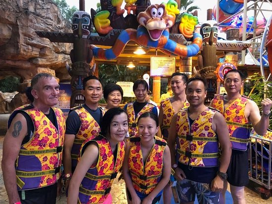Chimelong Water Park: USER_SCOPED_TEMP_DATA_orca_share_media1536932301009_large.jpg