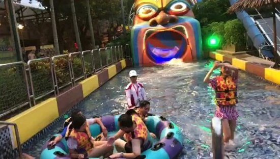 Chimelong Water Park: USER_SCOPED_TEMP_DATA_thumbnail1536942623500_large.jpg