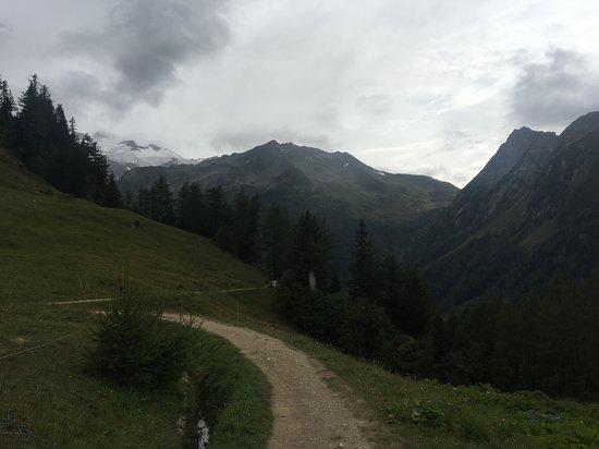 Trient, Schweiz: 整備されたトレッキングルート