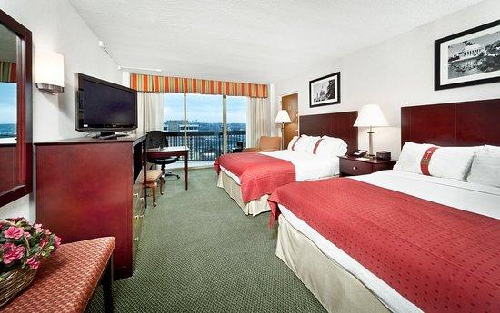 Holiday Inn Rosslyn @ Key Bridge : Guest room