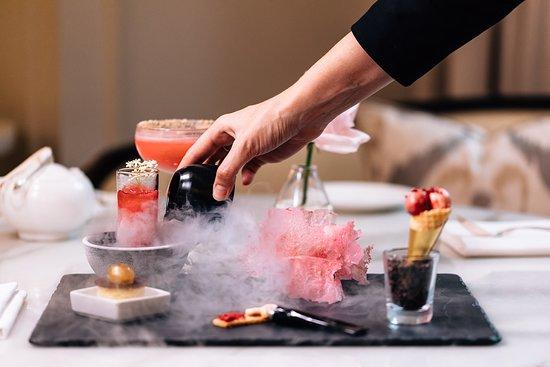 The Rock, Australia: Palm Court Extravagant Desserts