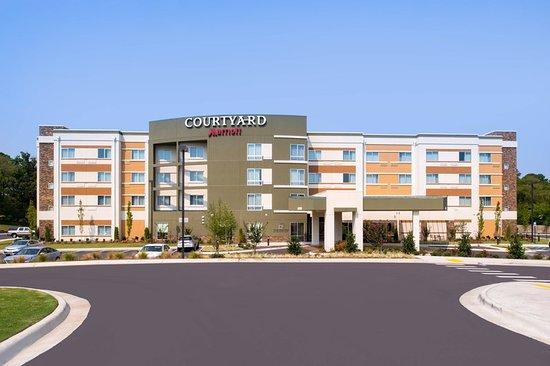 Courtyard by Marriott Hot Springs