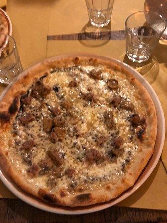 Montottone, إيطاليا: Pizza 1