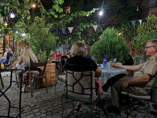 Papavero Restaurant: IMG_20180908_201554_large.jpg
