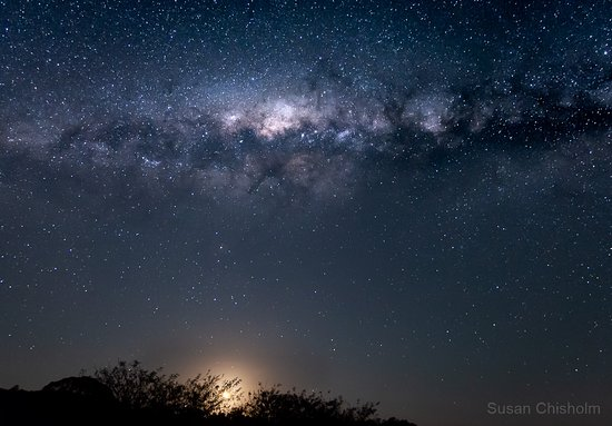 Coochin, ออสเตรเลีย: View of Milky Way and moon sitting from Bilyana Cottages
